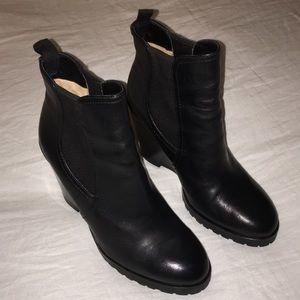 Michael Kors black leather wedge boots booties 8.5